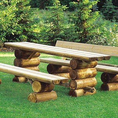 Gartenholztisch