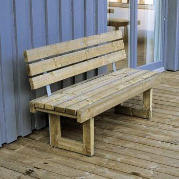 Holzbank mit Rückenlehne