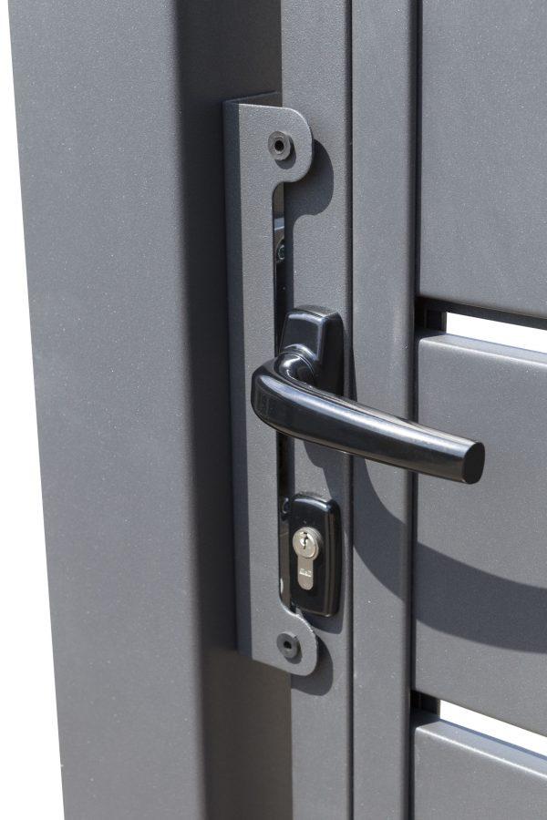 Sichtschutztor aus Metall